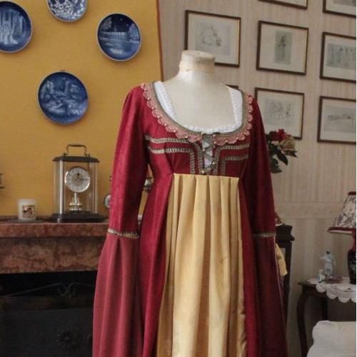 Abito storico abiti storici 1400 umanesimo primo - Costumi da bagno del 1900 ...